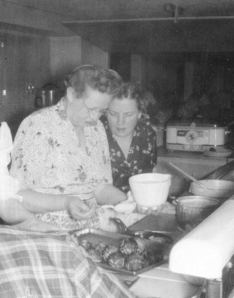 Augusta-Smidt-Pedersen-Marguerite-Pedersen-1958-adjusted